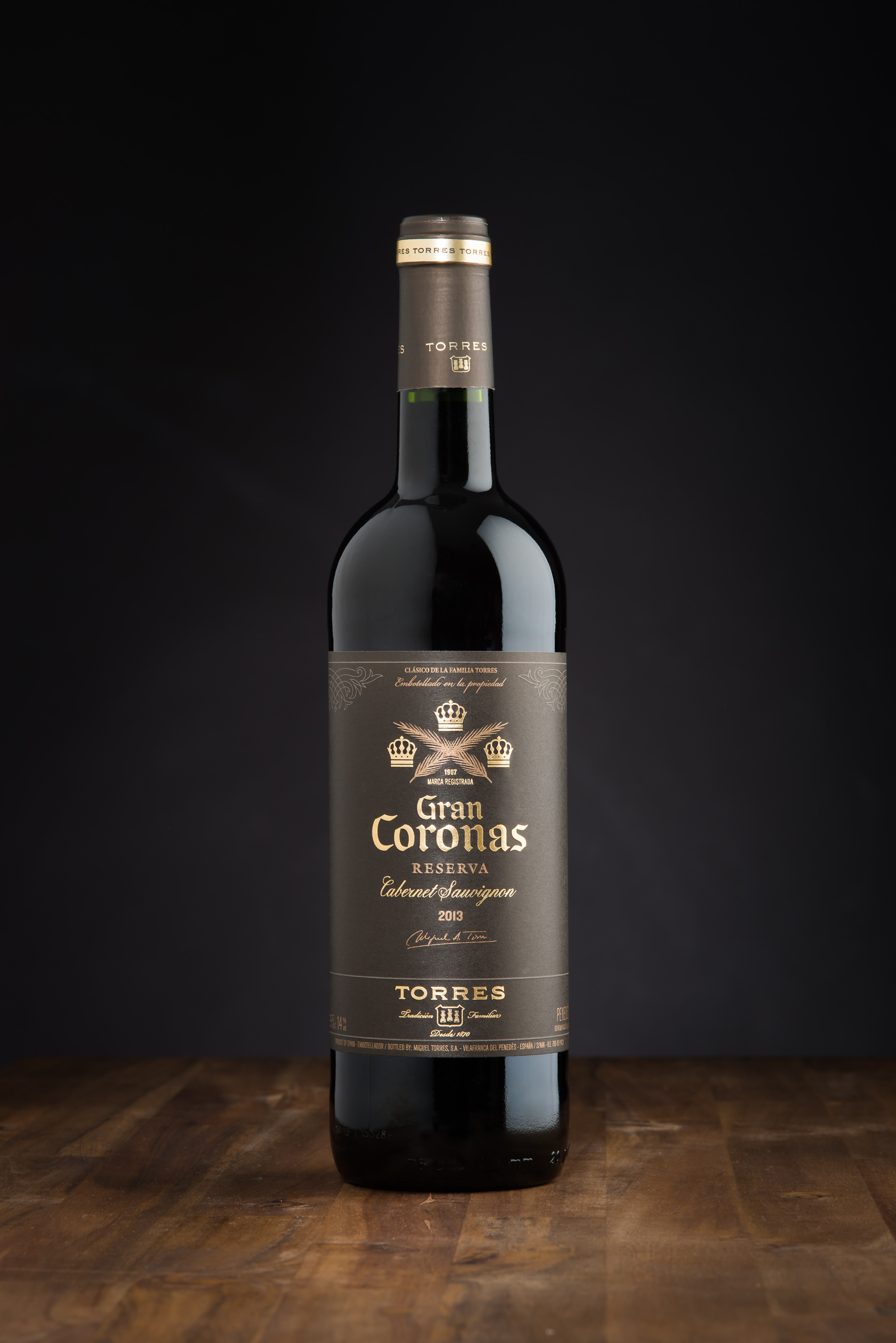 Gran Coronas red wine bottle food and beverage photography
